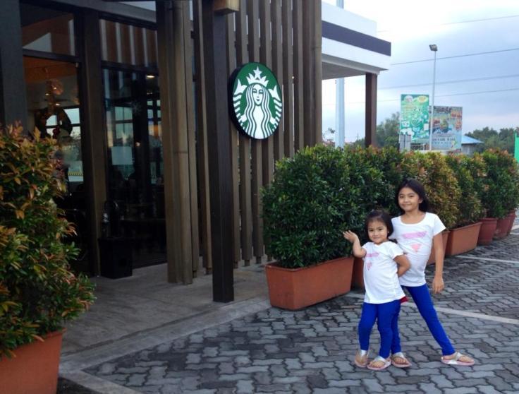 Abbey and Hannah Starbucks